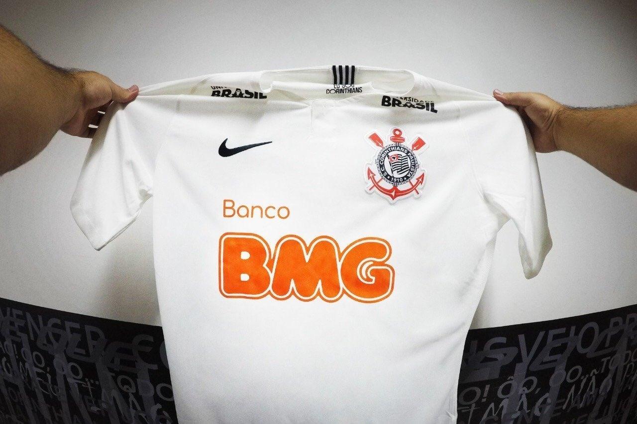 Corinthians anuncia patrocinador com alfinetada