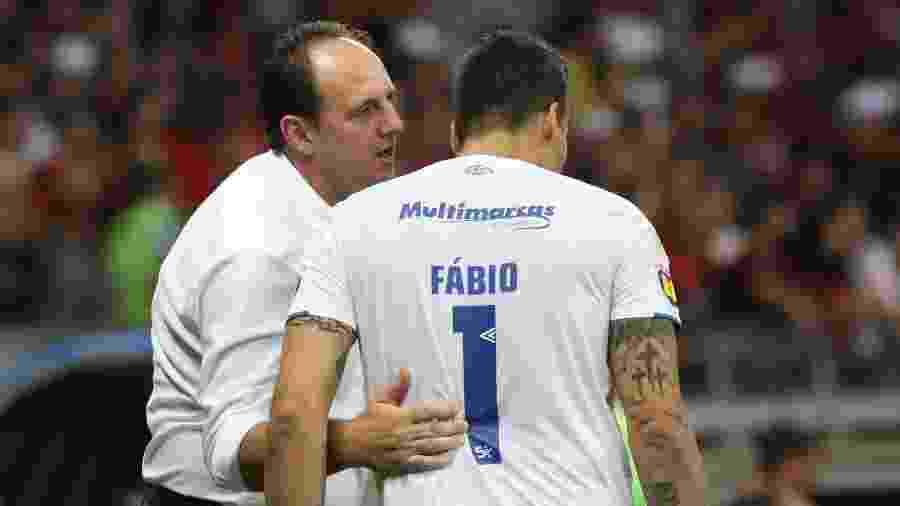 Fábio e Rogério Ceni trabalharam juntos no Cruzeiro durante a temporada passada - Fernando Moreno/AGIF