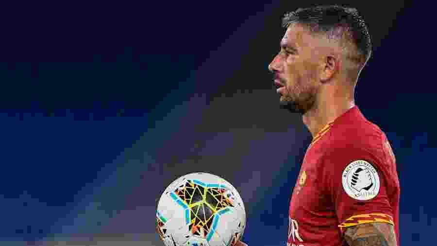 Aleksandar Kolarov atuava pela Roma; contrato tem duração de um ano - Andreas SOLARO / AFP