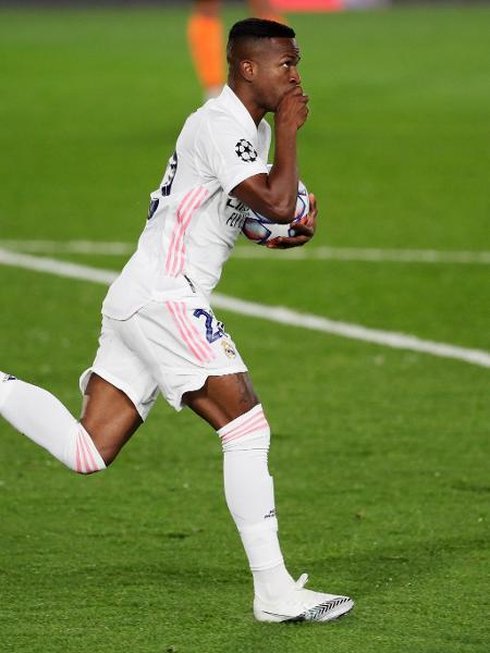Vinicius Jr. comemora segundo gol do Real Madrid contra o Shakhtar Donetsk - Getty Images