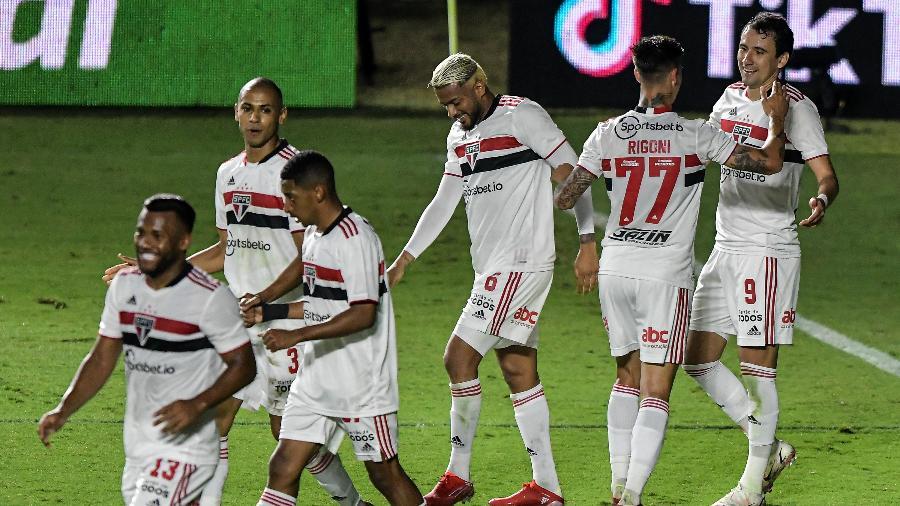 Jogadores do São Paulo comemoram gol marcado contra o Vasco - Thiago Ribeiro/AGIF