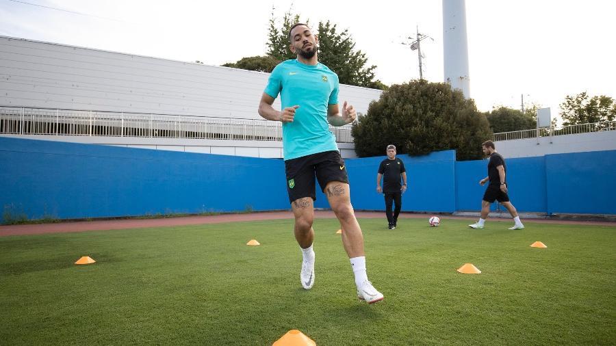 Matheus Cunha durante treino separado da seleção olímpica no Japão; ele trabalha para jogar contra a Espanha - Lucas Figueiredo/CBF