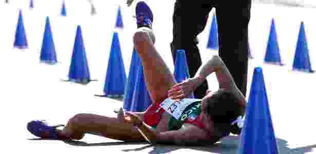 María Guadalupe González desmaia ao cruzar a linha de chegada na prova de 20km na marcha atlética - Jorge Arciga/Xinhua
