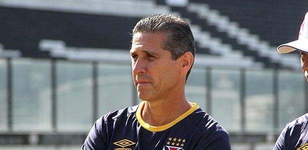 Jorginho iniciou as carreira de jogador e treinador no América, rival desta quinta
