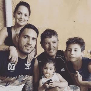 Braian comemora aniversário em família, no Grêmio - Reprodução/Instagram