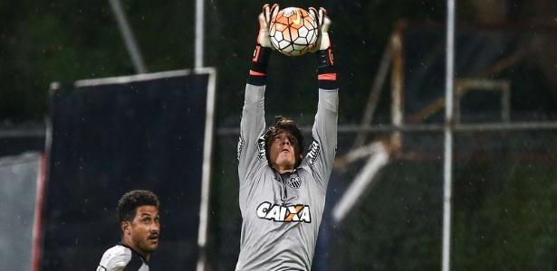 Uilson teve dois treinos no Equador para se acostumar com a velocidade da bola na altitude
