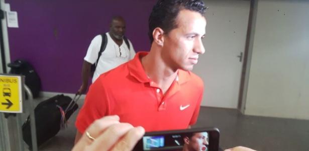 O atacante Leandro Damião chegou ao Rio e aguarda a apresentação no Flamengo