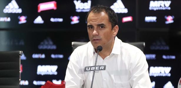 Rodrigo Caetano, diretor executivo de futebol do Flamengo, concedeu entrevista coletiva