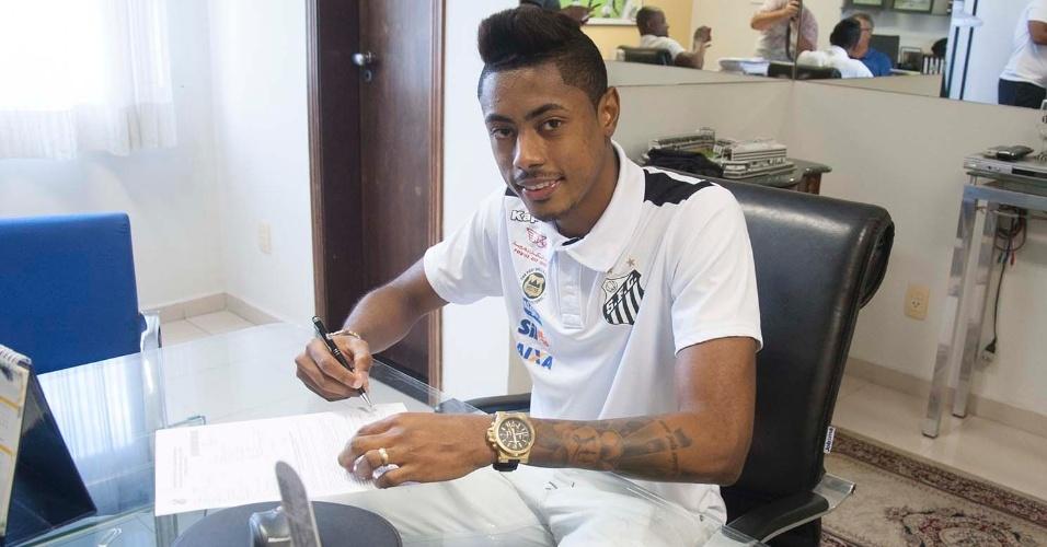 Bruno Henrique assinou contrato nesta sexta-feira e não enfrenta o time marroquino