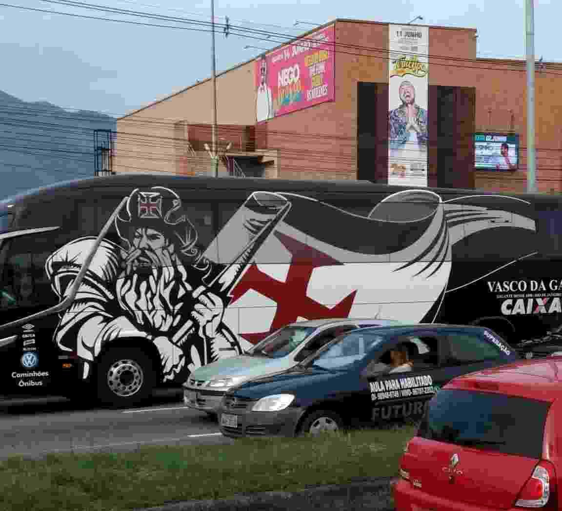 Õnibus enguiçou a caminho do estádio São Januário - Reprodução