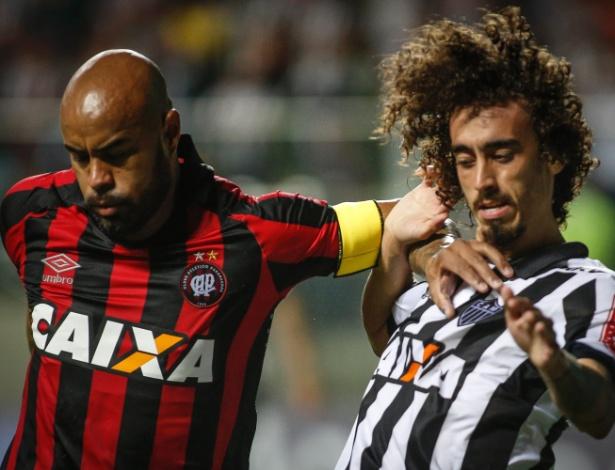Thiago Heleno será poupado no duelo com o Sport, no Recife