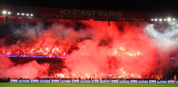Clube francês foi punido por sinalizadores em jogo da Liga dos Campeões 2017/2018 - Matthias Hangst/Getty Images