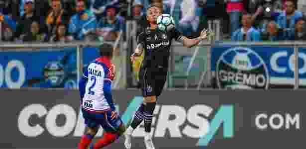 Meia-atacante é artilheiro do Grêmio no ano e foi convocado por Tite para amistosos - LUCAS UEBEL/GREMIO FBPA