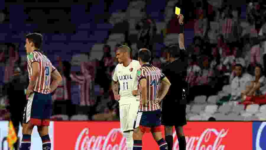 Bamlak Tessema Weyesa durante o duelo Kashima Antlers e Chivas Guadalajara pelo Mundial de Clubes - Giuseppe CACACE/AFP