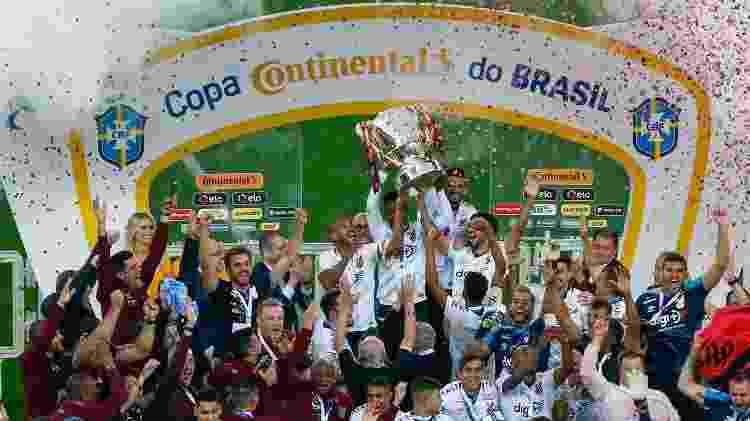 Athletico ergue sua primeira Copa do Brasil no Beira-Rio - Jeferson Guareze/Agif