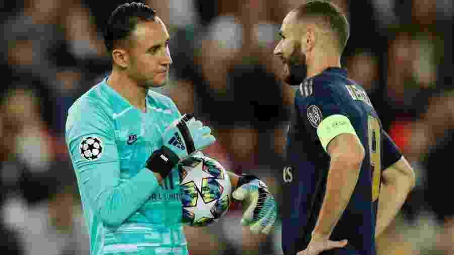 Keylor Navas em frente a Karim Benzema durante vitória do PSG sobre o Real Madrid - Benoit Tessier/Reuters