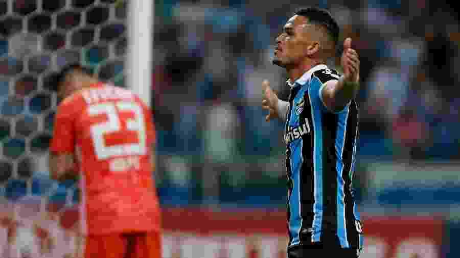 Novo titular do ataque do Grêmio, Luciano acumula 20 gols no ano e cinco pelo clube gaúcho - Jeferson Guareze/AGIF