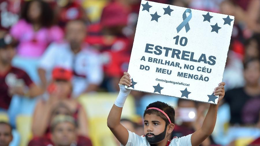Torcida do Flamengo presta homenagem aos Garotos do Ninho um ano após o incêndio - Thiago Ribeiro/AGIF