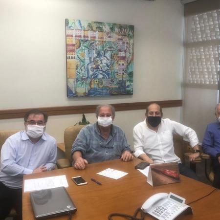 Reunião na última semana entre conselheiros que tentam disputar a eleição presidencial do São Paulo - Divulgação
