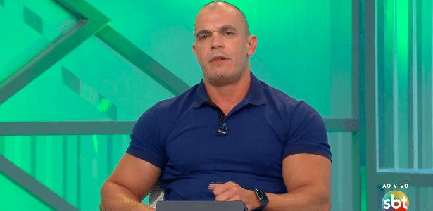 Mano, do SBT, comenta sobre Ceni no Fla: 'Está todo mundo contra ele'
