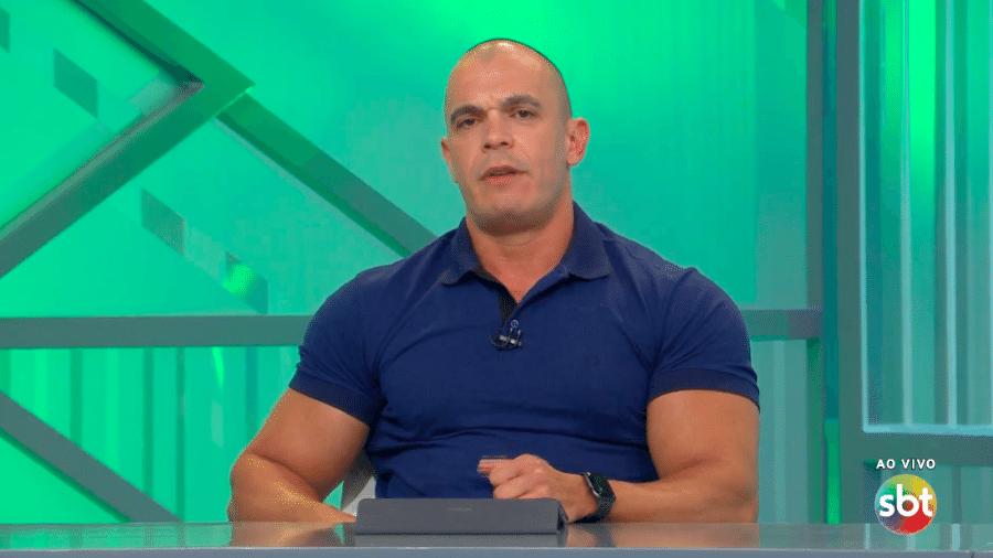 """Maurício Borges, Mano, comentarista do """"Arena SBT"""" - Transmissão SBT"""