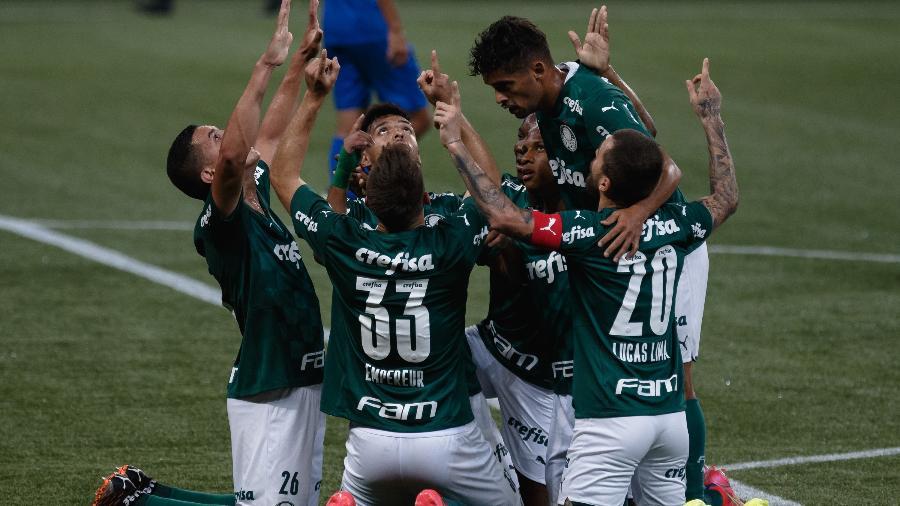 Palmeiras comemora gol na partida contra o São Caetano pelo Campeonato Paulista - Ettore Chiereguini/AGIF