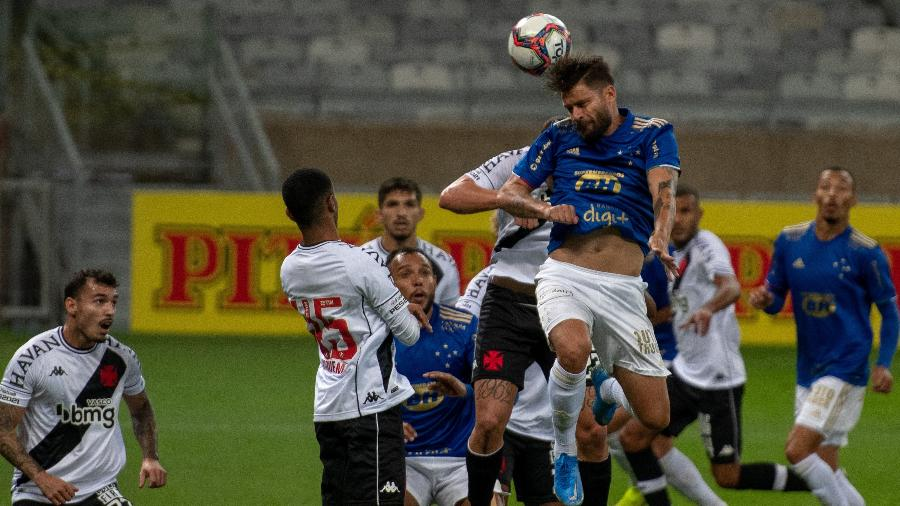 Vasco e Cruzeiro se enfrentaram no primeiro turno em Belo Horizonte e os mineiros venceram por 2 a 1 - Alessandra Torres/AGIF