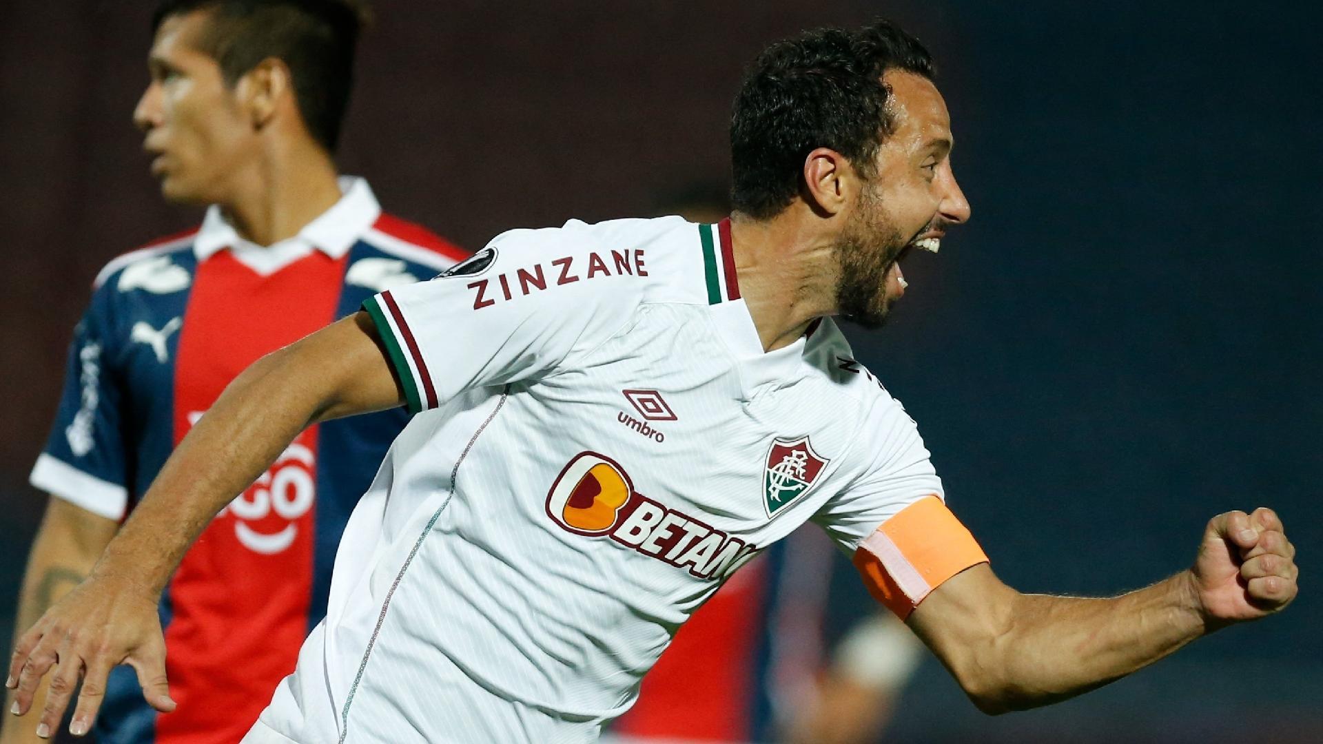 Nenê comemora gol na vitória do Fluminense sobre o Cerro Porteño