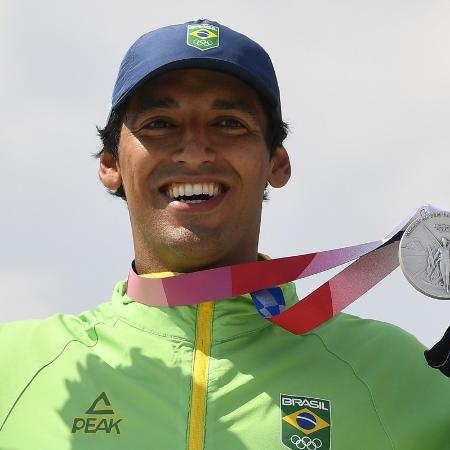 Kelvin Hoefler conquista medalha de prata em Olimpíadas de Tóquio 2020 - Toby Mellville/Reuters e Sergio Perez/Reuters