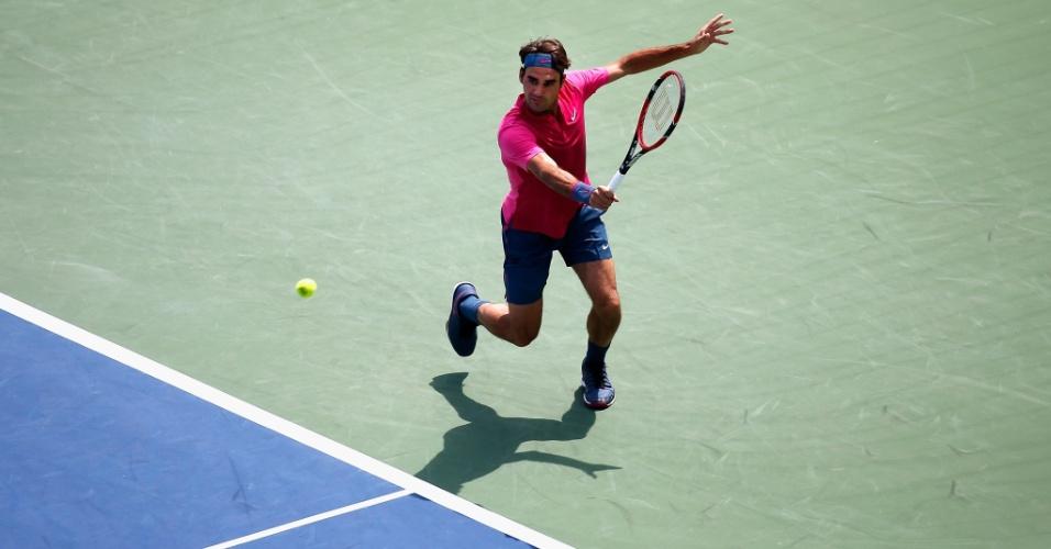 Federer tenta o slice em duelo contra Djokovic em decisão nos Estados Unidos