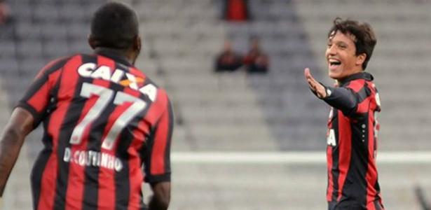 Matheus Anjos deve ganhar oportunidade contra o Grêmio: 18 anos