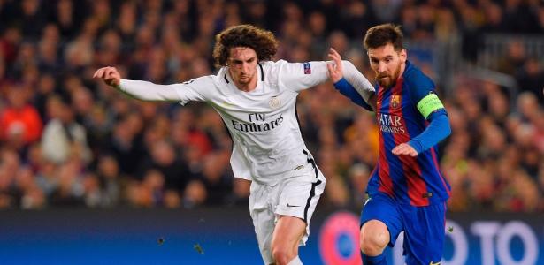Rabiot marca Messi no duelo entre PSG e Barcelona no Camp Nou - AFP PHOTO / LLUIS GENE