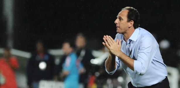 Rogério Ceni ainda nos tempos de SP; treinador não usou Pássaro como advogado