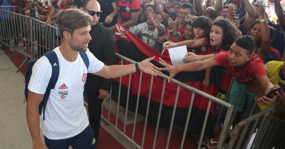 Torcida do Flamengo no Espírito Santo recepciona o meia Diego