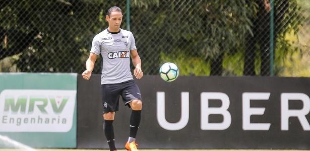 Com dois gols, Ricardo Oliveira foi o artilheiro do jogo-treino contra o sub-20 da Seleção