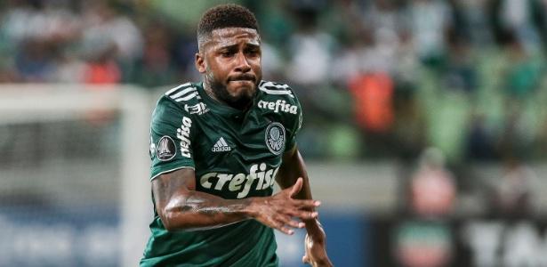 1d60552041 Emerson Santos fez apenas dois jogos oficiais pelo Palmeiras em 2018  Imagem  Ale Cabral AGIF
