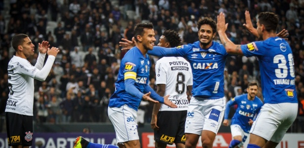 Leo diz que ainda há pontos a melhorar, mas aprovou Cruzeiro no amistoso em Itaquera