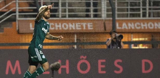 Lucas Lima comemora gol contra o Santos: já são dois em dois jogos pós-Copa - Daniel Vorley/AGIF