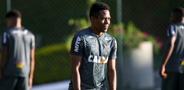 Elias, volante do Atlético-MG, aguarda conversa com a diretoria para renovar contrato