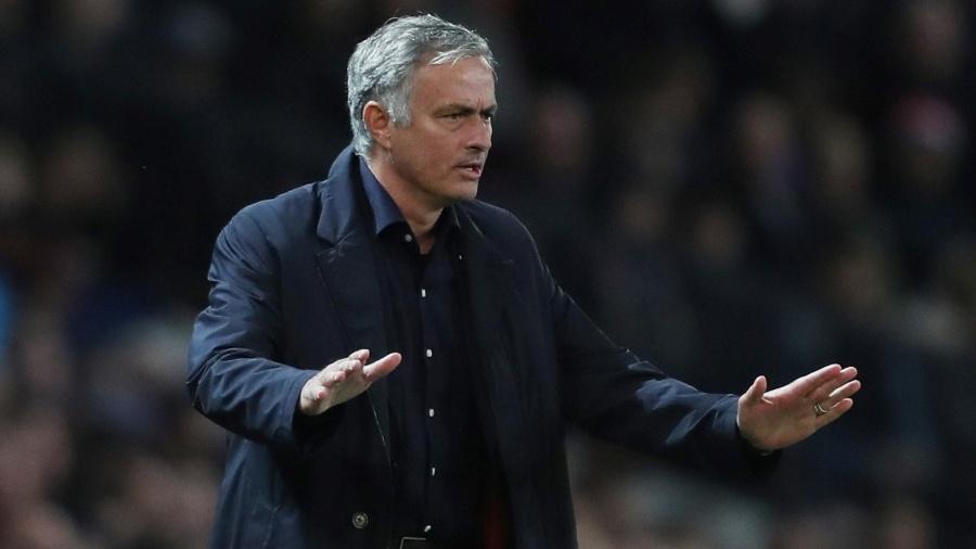Técnico José Mourinho comanda o Manchester United em partida da Liga dos Campeões - Reuters/Lee Smith