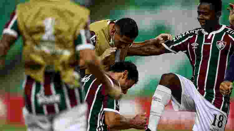 Cazares e Fred comemoram gol do Fluminense sobre o River Plate, na estreia na Libertadores - Lucas Merçon / Fluminense F.C - Lucas Merçon / Fluminense F.C