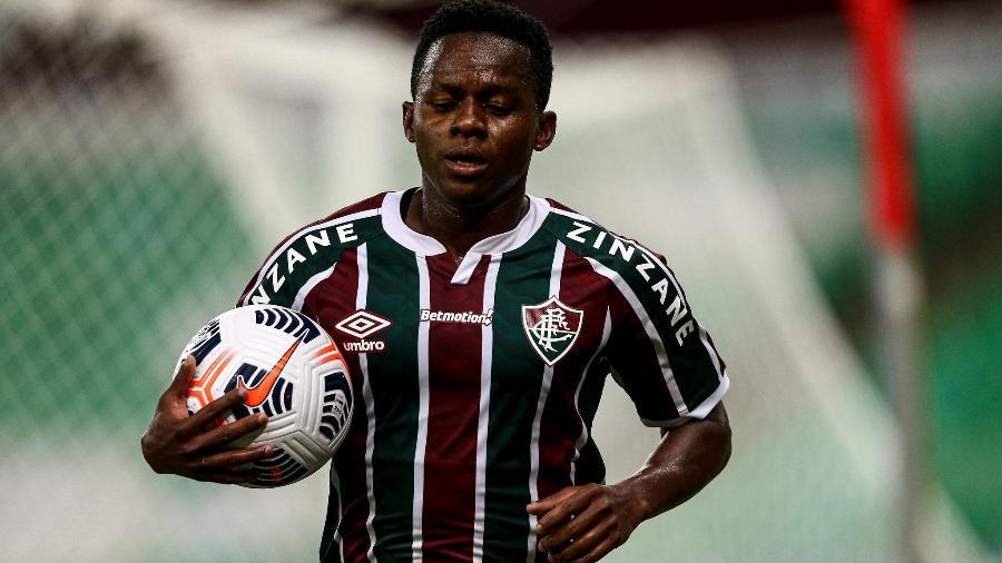 Cazares entrou na vaga de Nenê e mudou o Fluminense em jogo contra o River na Libertadores - Lucas Merçon/Fluminense FC