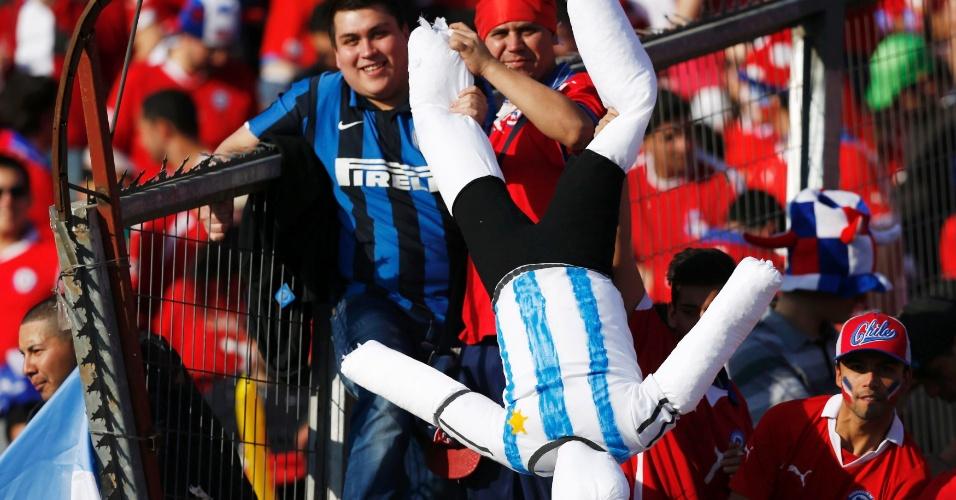 Torcedores do Chile provocam os argentinos antes da final