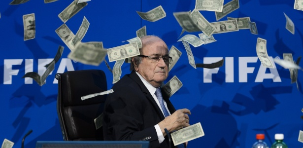 Four Four Two descreve Blatter como 'um cínico que jamais admitiu erros apesar de evidências'