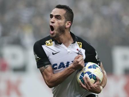 Corinthians: contrato na China é entrave para Renato Augusto retornar