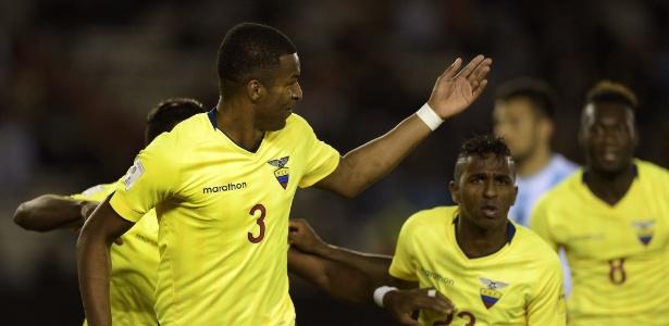 Erazo marcou o gol que abriu o placar para o Equador contra a Argentina pelas Eliminatórias Sul-Americanas