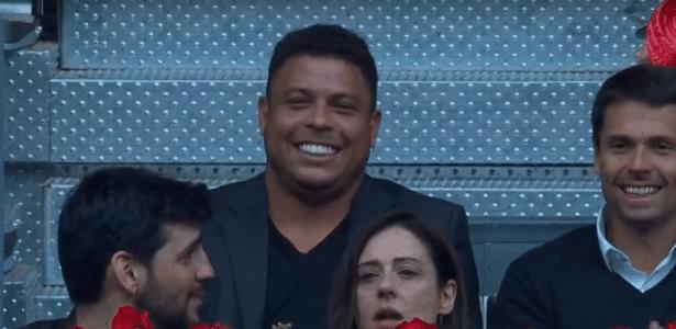 Assessoria de Ronaldo diz que já quitou o valor, mas Prefeitura ainda não computou