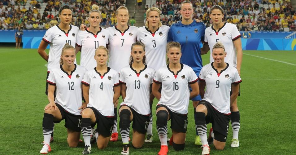 Seleção alemã pronta para a partida diante da Austrália