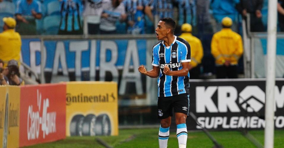 Pedro Rocha festeja gol do Grêmio contra o Palmeiras