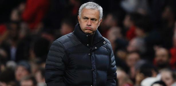 Mourinho em ação pelo United; treinador diz não esperar protestos da torcida do Chelsea